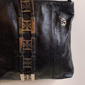 Tory Burch Bags - Tory Burch shoulder bag with silver hardware